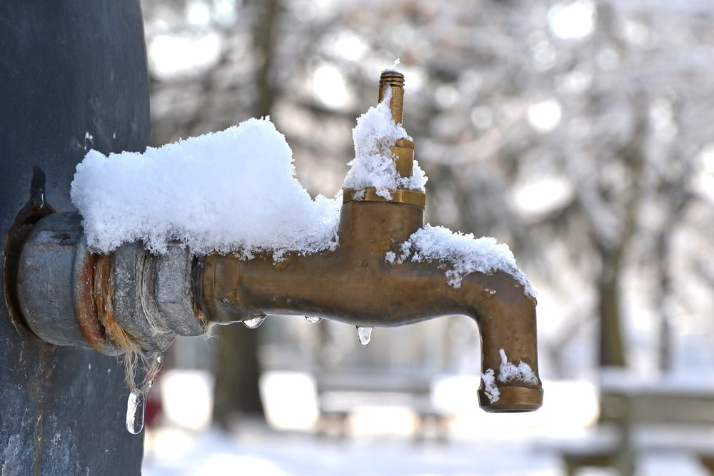 Prevent Frozen Pipes in Your Home This Winter
